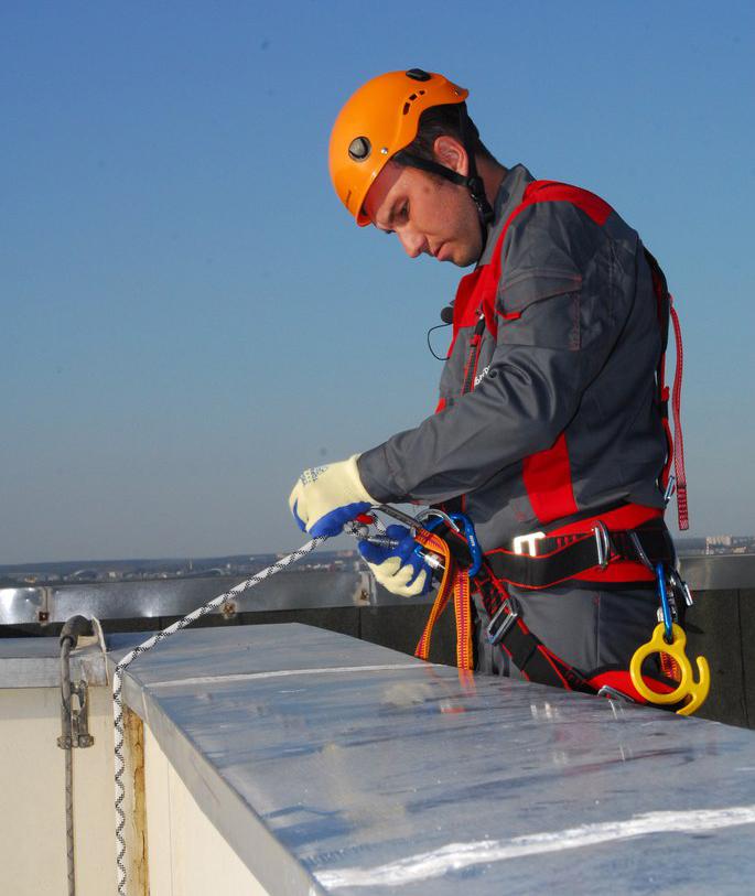 Герметизация межпанельных швов, ремонт крыш балконов